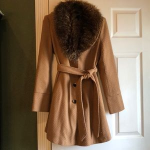 Steve Madden coat with faux fur trimmed collar
